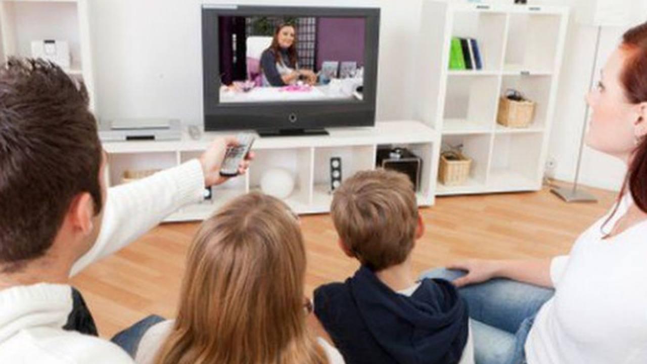 guardare in tv (web source) (1)